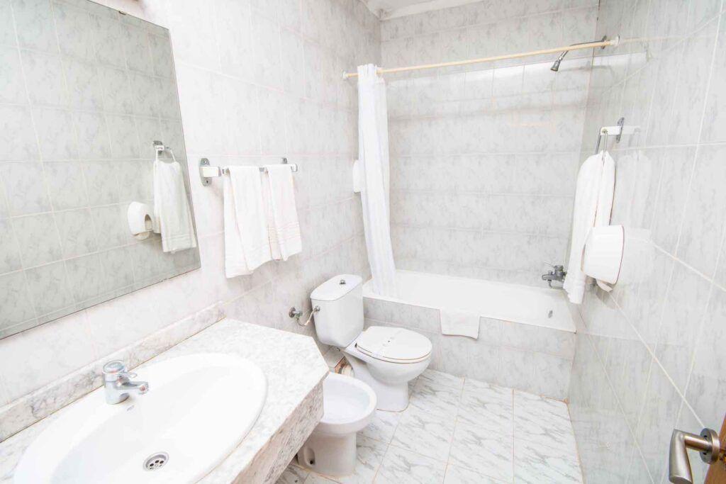 amic-miraflores-standard-lavabo