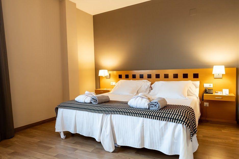 atenea-aventura-standard-bed