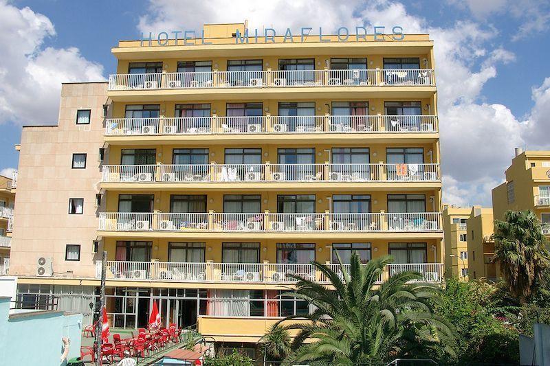 hotel-miraflores-1