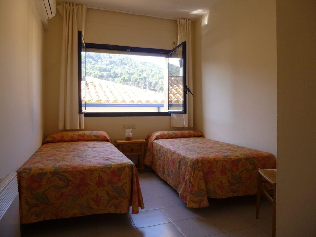 marblau-tamariu-standard-2dormitorios-cama